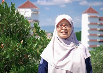 Dr. Dra. Siti Bahiroh., M.Si